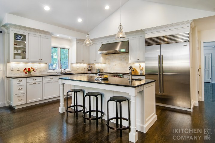 Featured Kitchen: An Everyday Chef\'s Delight | Black and ...