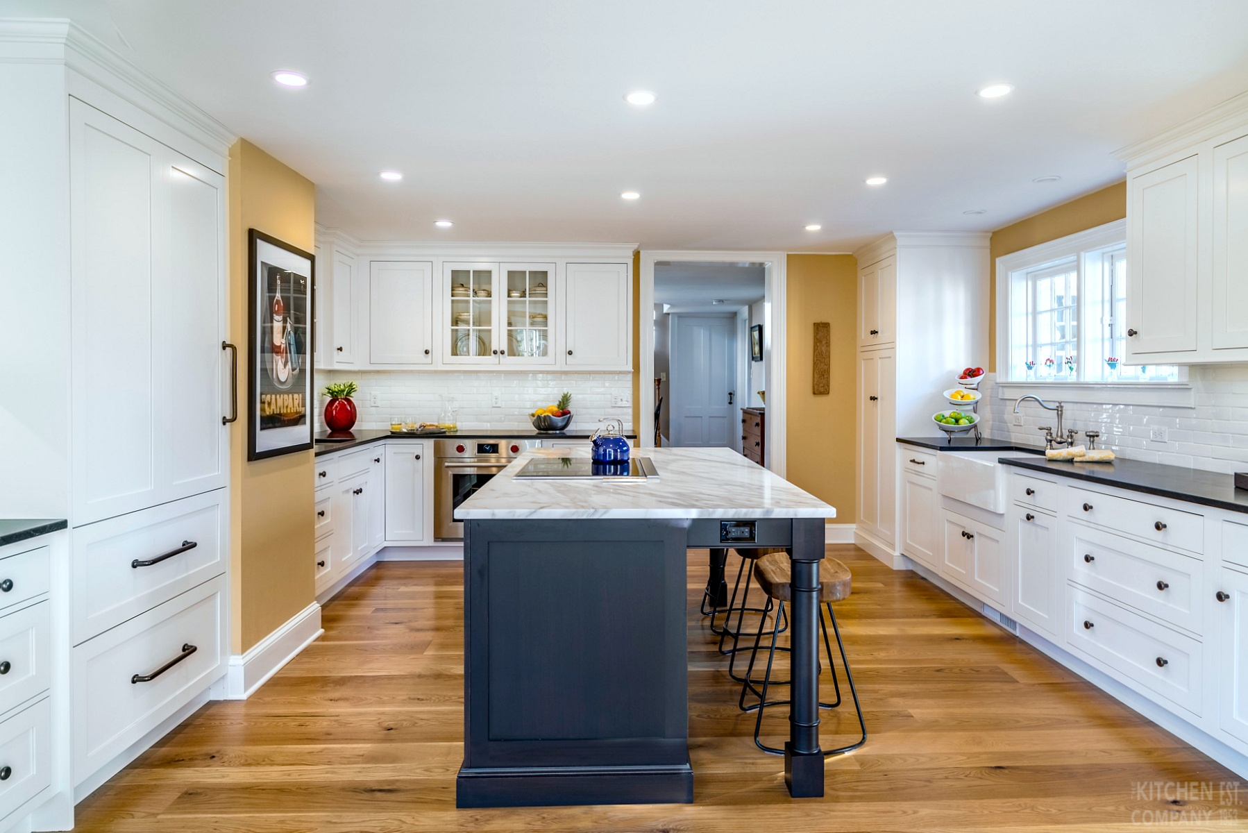 Traditional Farmhouse Kitchen In Madison Ct Kitchen Photo Gallery